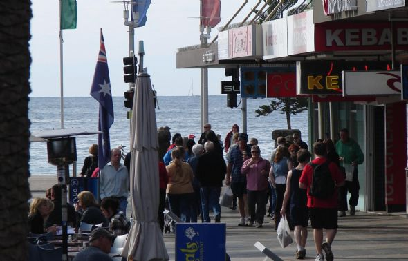 1212232543_Manly Central2